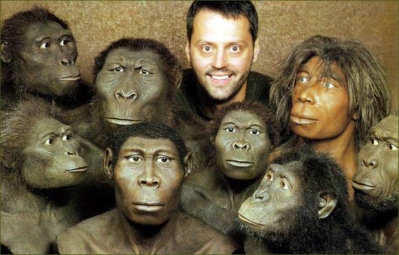А есть ли сходство ДНК человека и шимпанзе — 98,5%, а человека и мыши — 97,5% ?